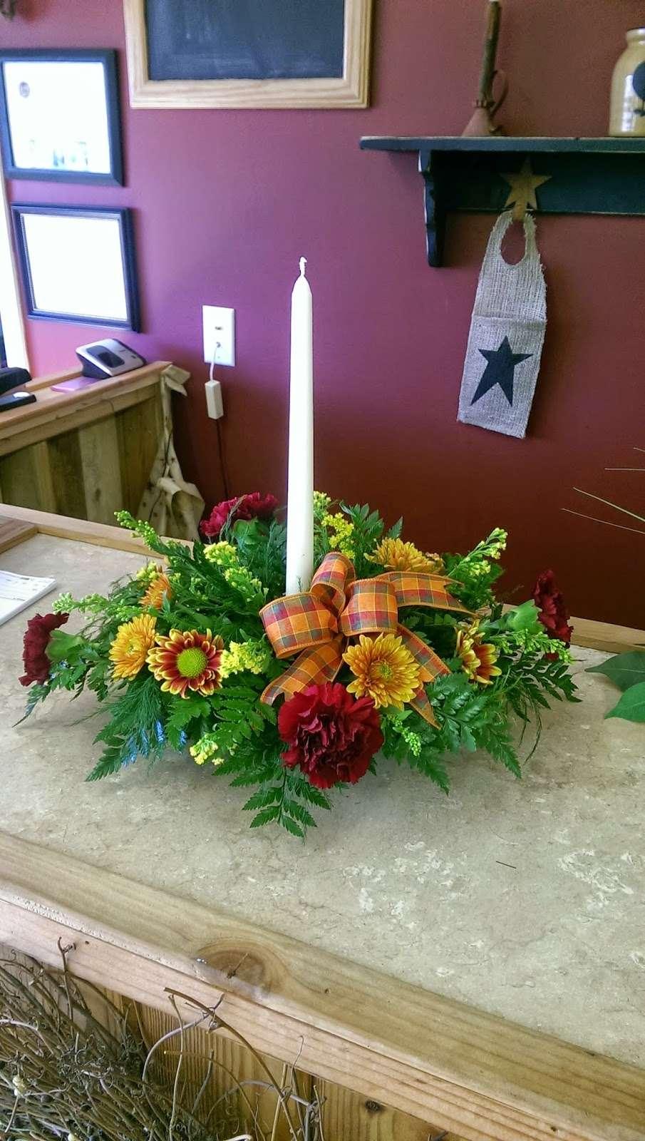 Main Street Flowers - florist    Photo 3 of 4   Address: 10 N 7th St, Crisfield, MD 21817, USA   Phone: (410) 968-0907