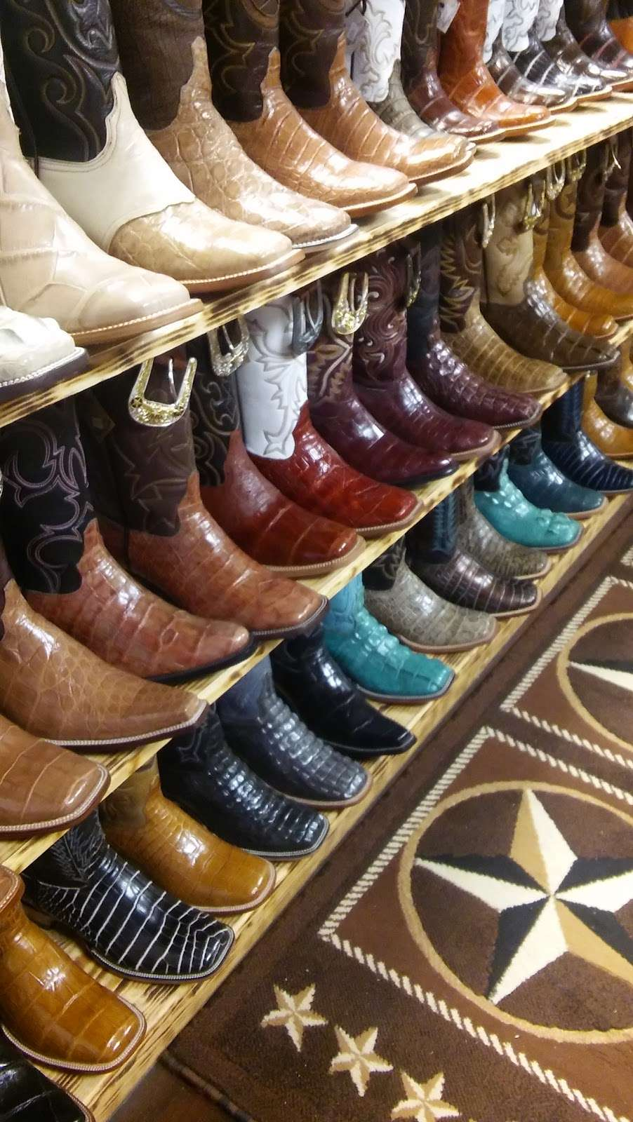 LA HACIENDA BOOT CO. - shoe store  | Photo 2 of 10 | Address: 2525 S Wayside Dr, Houston, TX 77023, USA | Phone: (713) 514-9939