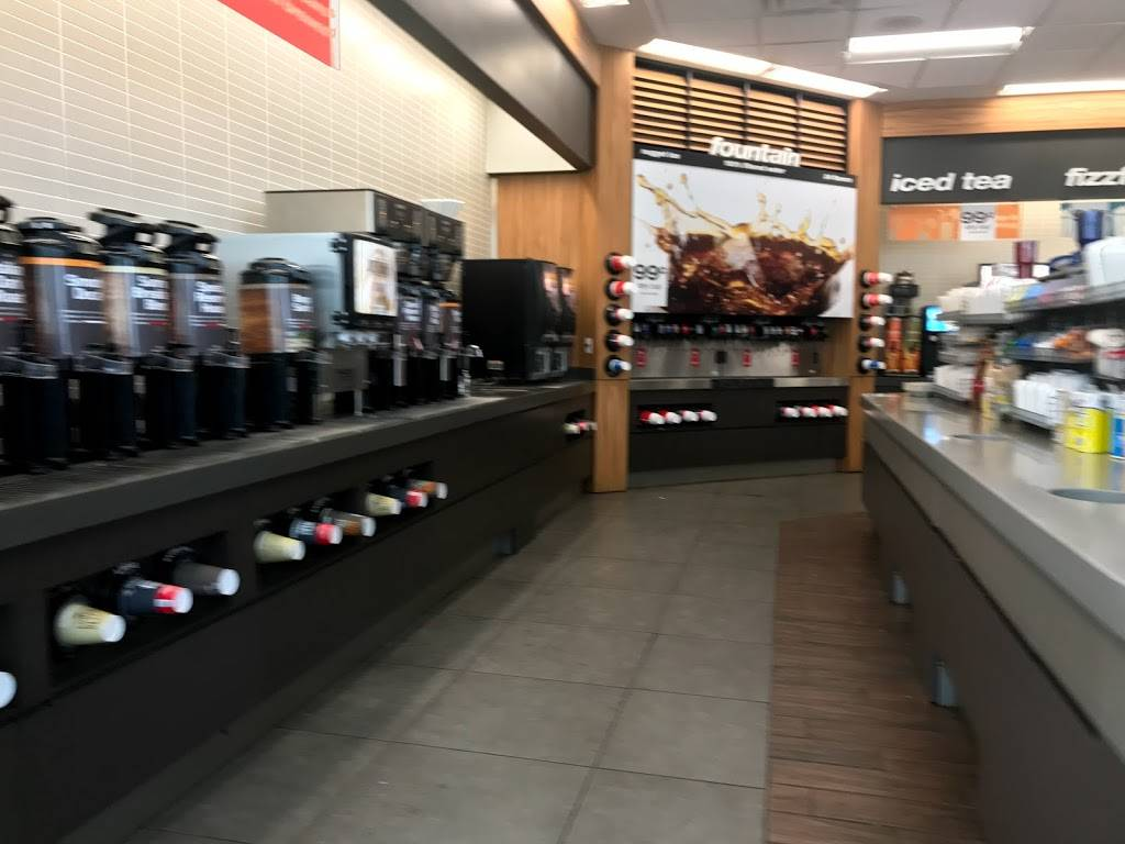 Thorntons - convenience store  | Photo 4 of 7 | Address: 3909 US-31E, Clarksville, IN 47129, USA | Phone: (812) 283-7881