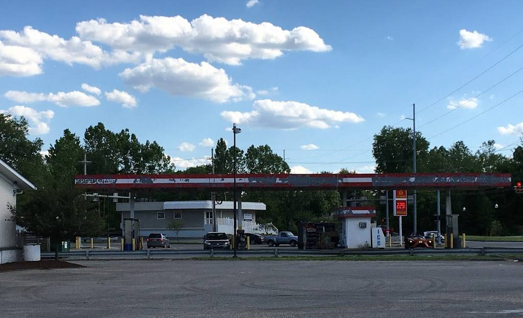 Stop N Go - convenience store  | Photo 1 of 1 | Address: 2402 Allison Ln, Jeffersonville, IN 47130, USA | Phone: (812) 282-4460