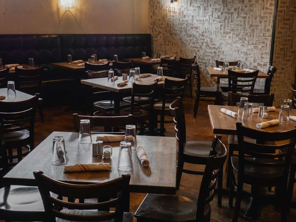 Republic kitchen and bar - restaurant  | Photo 2 of 10 | Address: 262 Main St, Monroe, CT 06468, USA | Phone: (203) 590-3826