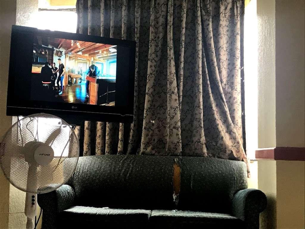 HOTEL PLAZA DE ORO - lodging  | Photo 9 of 10 | Address: Av. Miguel F. Martinez 785 B, Centro, 22000 Tijuana, B.C., Mexico | Phone: 664 685 1437