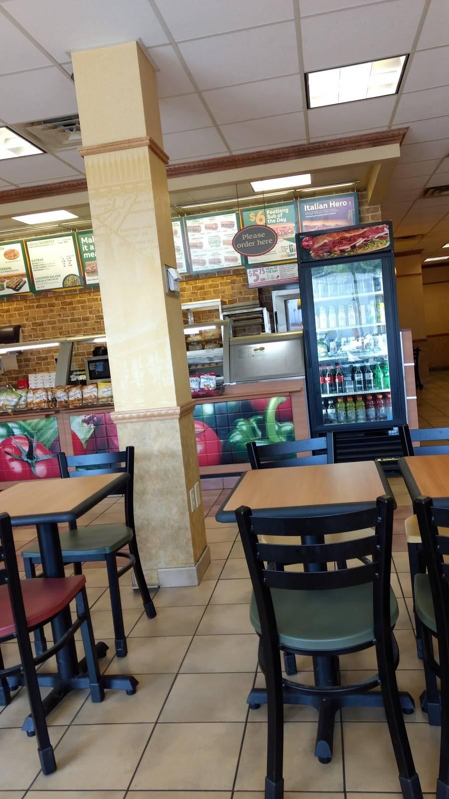Subway - meal takeaway  | Photo 4 of 10 | Address: 8875 - A Highland Rd, Baton Rouge, LA 70808, USA | Phone: (225) 769-0034