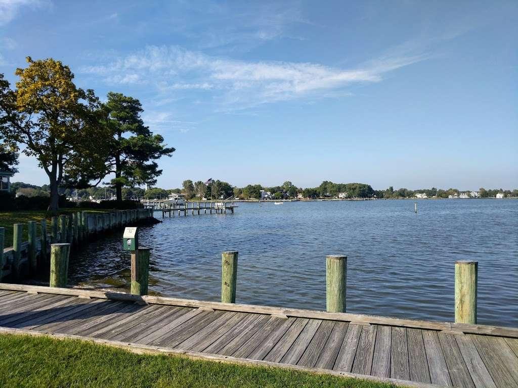 Tilghman on Chesapeake - lodging  | Photo 5 of 10 | Address: 21610 Island Club Rd, Tilghman, MD 21671, USA | Phone: (410) 886-2389