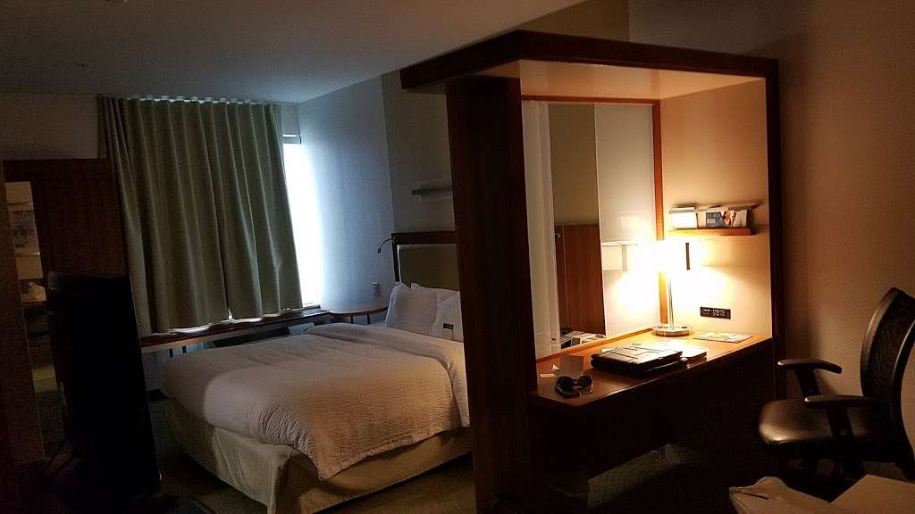 SpringHill Suites by Marriott Houston Baytown - lodging  | Photo 2 of 10 | Address: 5169 East Fwy, Baytown, TX 77521, USA | Phone: (281) 421-1200