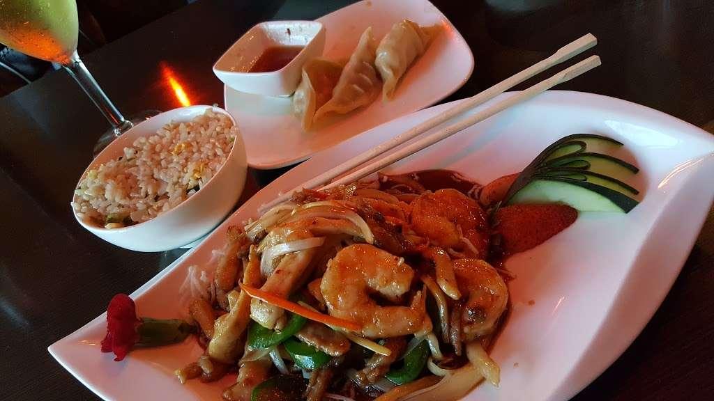 Akashi Sushi Fusion Cuisine - restaurant  | Photo 9 of 10 | Address: 2271 Northpark Dr, Kingwood, TX 77339, USA | Phone: (281) 358-8828