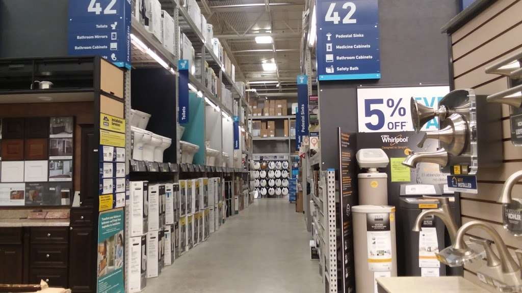 Lowes Home Improvement - hardware store  | Photo 5 of 10 | Address: 3500 10th St, Columbus, IN 47201, USA | Phone: (812) 376-0521
