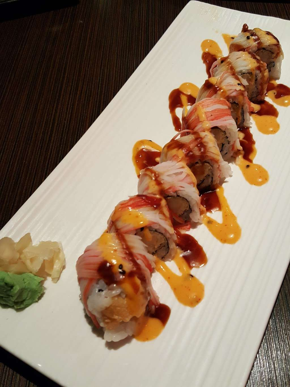 Akashi Sushi Fusion Cuisine - restaurant  | Photo 3 of 10 | Address: 2271 Northpark Dr, Kingwood, TX 77339, USA | Phone: (281) 358-8828