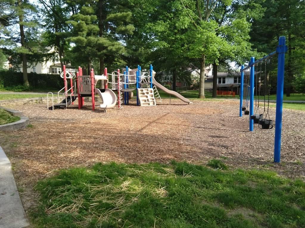 Oakhaven Park - park    Photo 1 of 3   Address: Oak Haven Ave, Webster Groves, MO 63119, USA   Phone: (314) 561-4304
