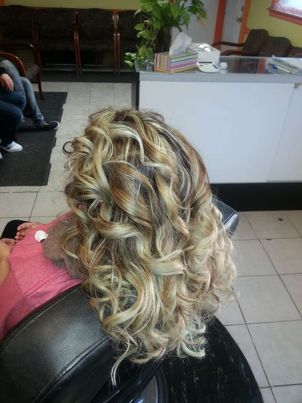 Artistica Wave - hair care  | Photo 2 of 10 | Address: 1317 N Seminary Ave, Woodstock, IL 60098, USA | Phone: (815) 206-4906
