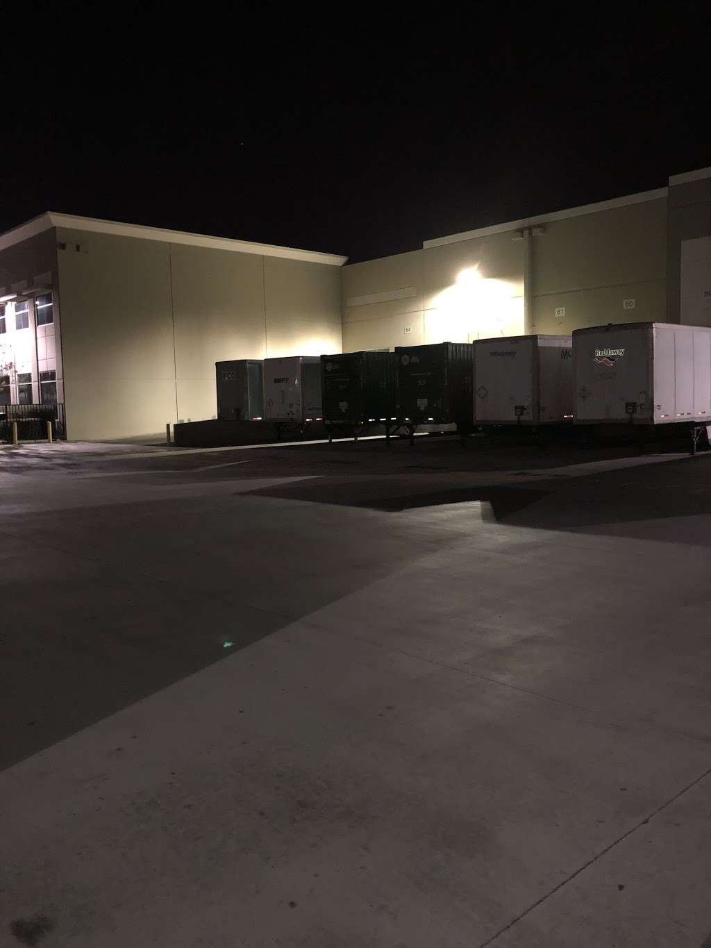 Amazon Fulfillment Center ONT 9 - storage  | Photo 10 of 10 | Address: 2125 San Bernardino Ave, San Bernardino, CA 92408, USA | Phone: (800) 928-5091