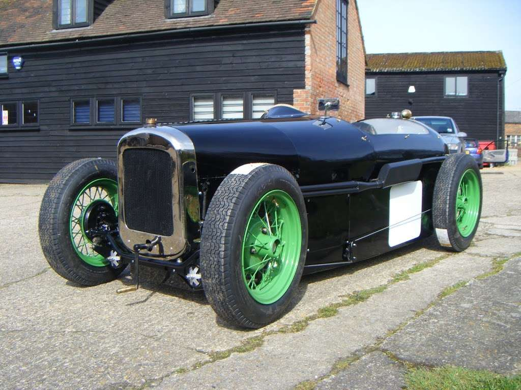 Pigsty Racing - car repair  | Photo 7 of 10 | Address: 2b, Lady Cross Business Park, Hollow Ln, Dormansland, Lingfield RH7 6PB, UK | Phone: 01342 870988