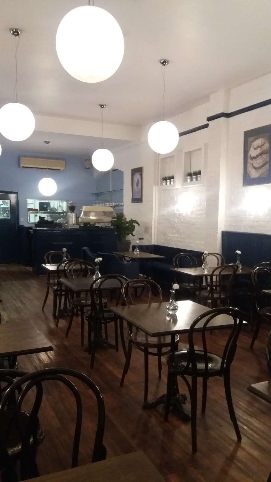 STELLAS ROOM - cafe  | Photo 3 of 10 | Address: 46 Fortis Green Rd, London N10 3HN, UK | Phone: 07789 250612