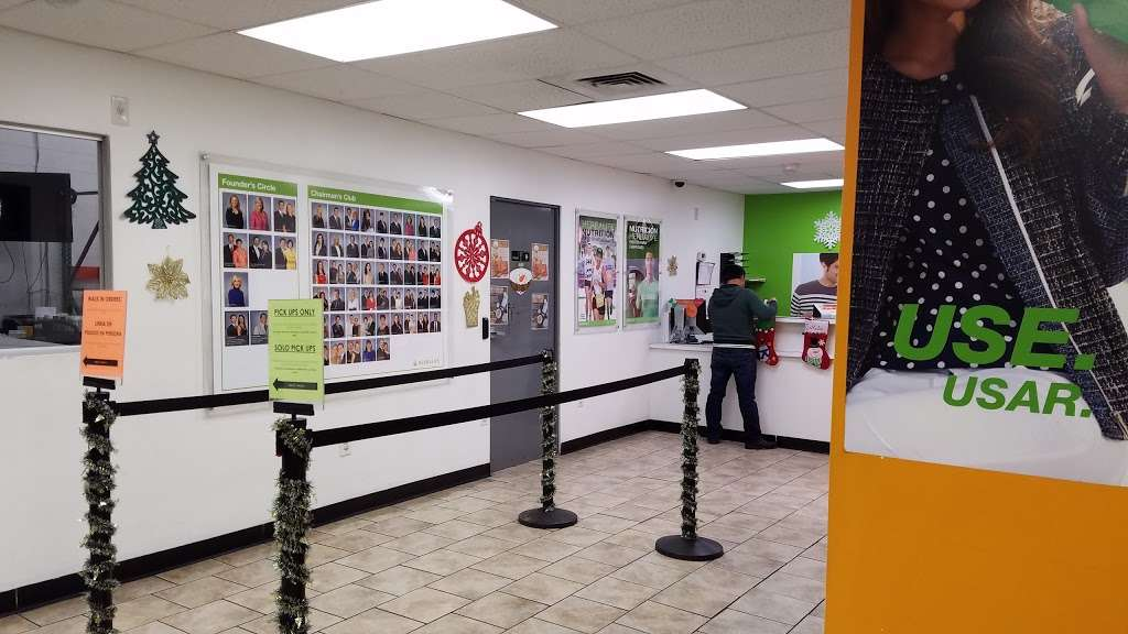 Herbalife Sales Center - store  | Photo 5 of 10 | Address: 2359 Hollers Ave, Bronx, NY 10475, USA | Phone: (718) 708-7020