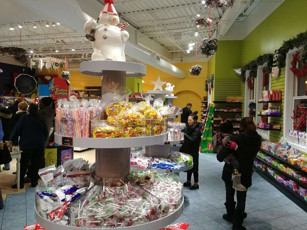 Albanese Confectionery Group - store  | Photo 6 of 10 | Address: 5441 E 81st Ave, Merrillville, IN 46410, USA | Phone: (219) 947-3070