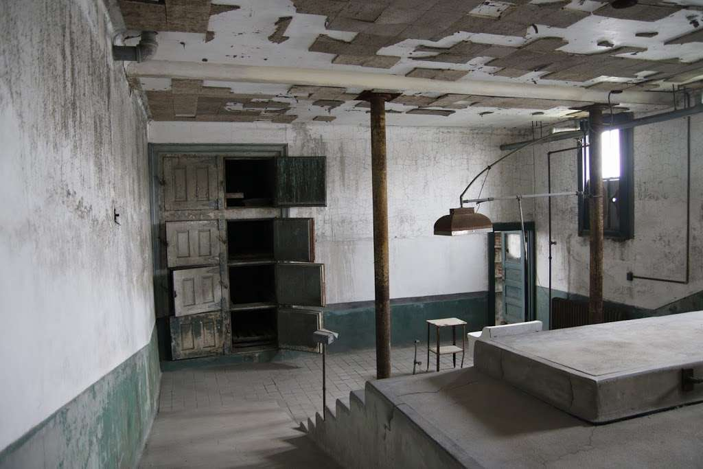 Ellis Island Hospital Morgue - museum  | Photo 9 of 10 | Address: Liberty Island - Ellis Island, Jersey City, NJ 07305, USA