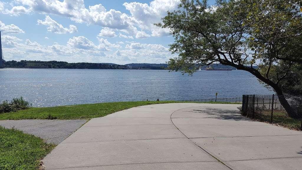 John Paul Jones Park - park  | Photo 9 of 10 | Address: Shore Parkway 101st Street, Brooklyn, NY 11209, USA | Phone: (212) 639-9675
