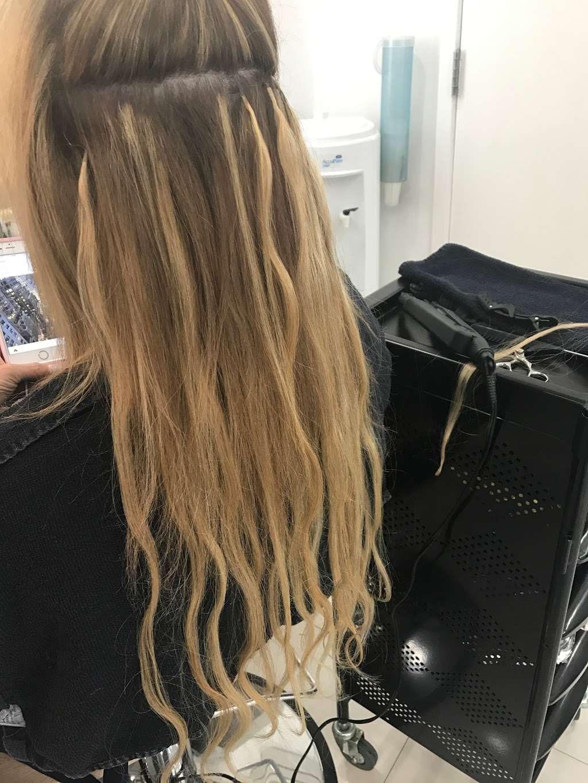 bleu sur bleu Hair Salon - hair care  | Photo 1 of 2 | Address: 1190 3rd Ave, New York, NY 10021, USA | Phone: (212) 774-1845
