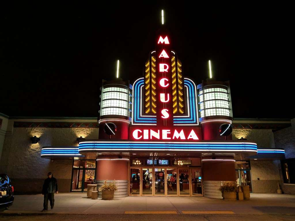 Marcus Ridge Cinema - movie theater  | Photo 2 of 10 | Address: 5200 S Moorland Rd, New Berlin, WI 53151, USA | Phone: (262) 797-0889