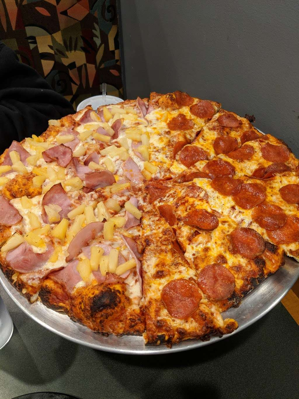 Round Table Pizza - meal delivery    Photo 1 of 6   Address: 732 N Brea Blvd, Brea, CA 92821, USA   Phone: (714) 671-2821