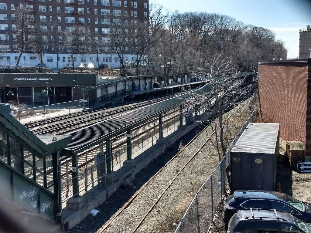 Ludlow - train station    Photo 6 of 10   Address: Yonkers, NY 10705, USA