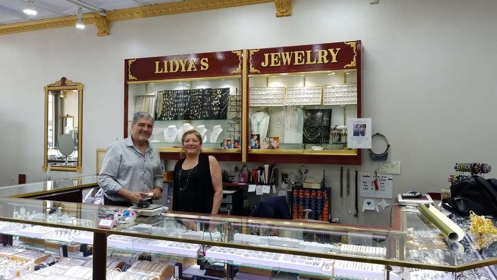 Edgewater Jewelry Exchange - jewelry store  | Photo 3 of 8 | Address: 515 River Rd, Edgewater, NJ 07020, USA | Phone: (201) 941-3041