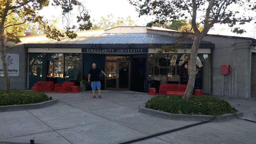 NASA Lodge - lodging  | Photo 8 of 10 | Address: 583 Dailey Rd, Mountain View, CA 94043, USA | Phone: (650) 603-7100