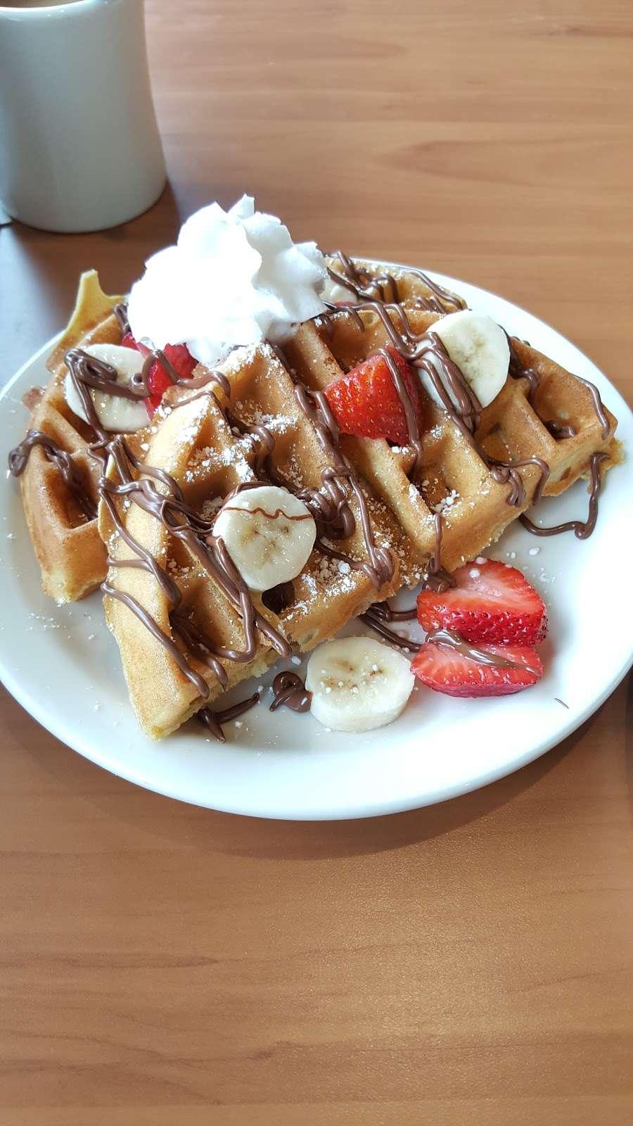 Loaded Cafe Restaurants Bellflower - cafe  | Photo 9 of 10 | Address: 15700 Bellflower Blvd, Bellflower, CA 90706, USA | Phone: (562) 210-5467