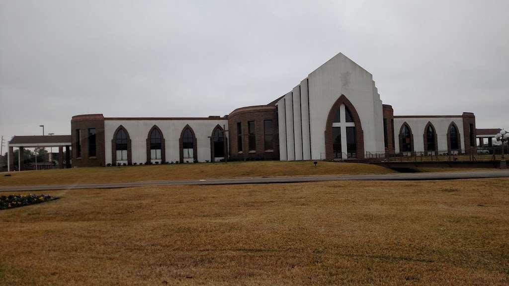 The Church Without Walls - Eldridge - church  | Photo 2 of 10 | Address: 7500 Eldridge Pkwy, Houston, TX 77083, USA | Phone: (281) 649-6800
