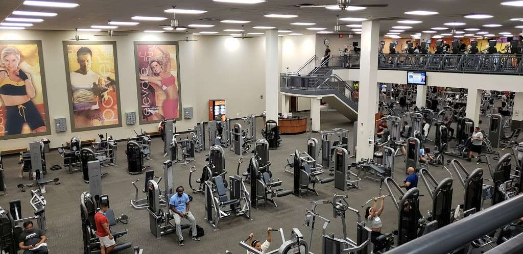 LA Fitness - gym  | Photo 4 of 10 | Address: 485 Harmon Meadow, Secaucus, NJ 07094, USA | Phone: (201) 751-9940