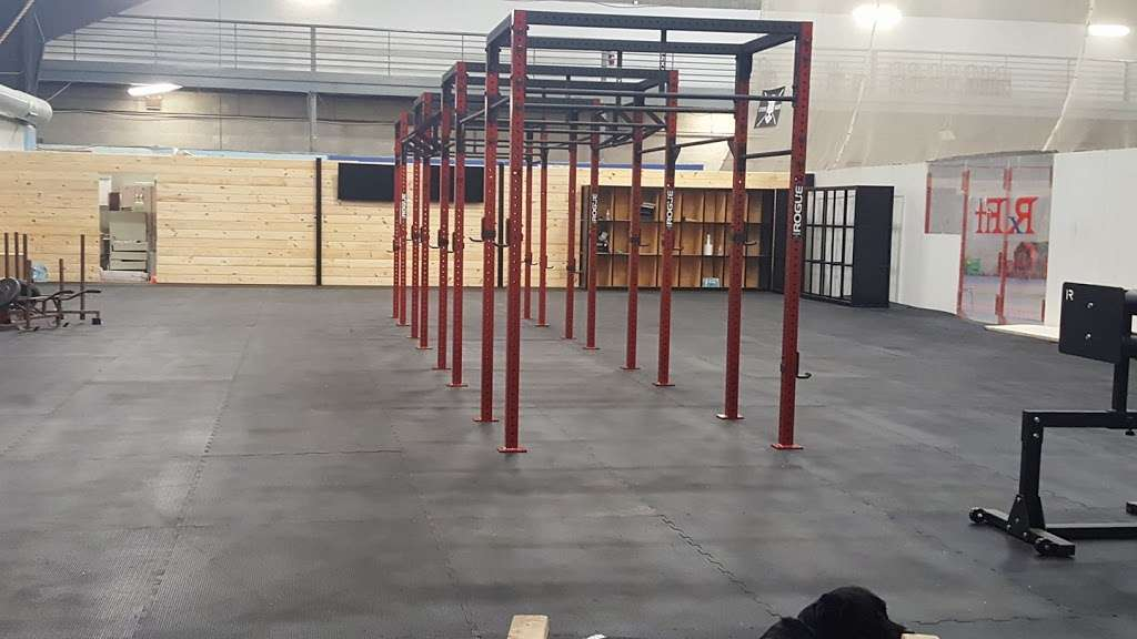 Magna Domos Crossfit - gym  | Photo 4 of 5 | Address: 2710 Hampstead Mexico Rd, Hampstead, MD 21074, USA | Phone: (410) 200-4157
