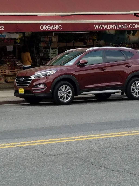 Wing Wagon - restaurant  | Photo 7 of 7 | Address: 351 Flatbush Ave, Brooklyn, NY 11238, USA | Phone: (718) 398-0501