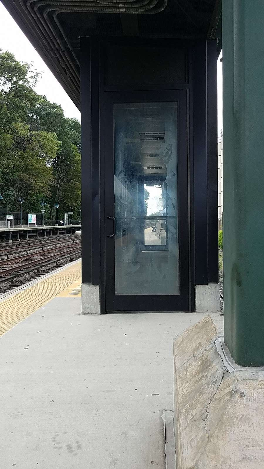 Ludlow - train station    Photo 10 of 10   Address: Yonkers, NY 10705, USA