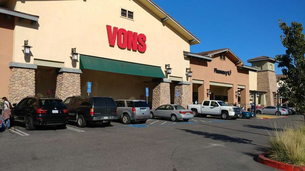 Vons - store  | Photo 3 of 10 | Address: 11800 De Palma Rd, Corona, CA 92883, USA | Phone: (951) 603-0809