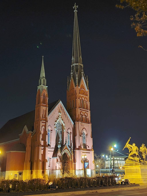 Calvary Presbyterian Church - church  | Photo 1 of 10 | Address: 628 N 10th St, Milwaukee, WI 53233, USA | Phone: (414) 271-8782
