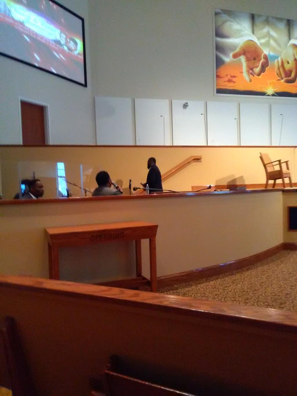 Oak Grove Baptist Church - church  | Photo 6 of 10 | Address: 2635 E Washington St, Suffolk, VA 23434, USA | Phone: (757) 539-8012