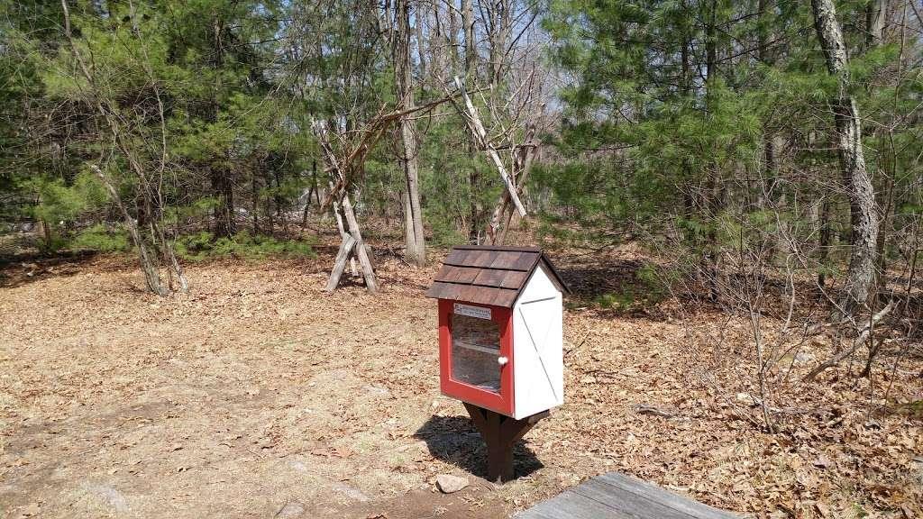 Leonard Schine Preserve & Childrens Natural Playground - museum  | Photo 10 of 10 | Address: 27-99 Glendinning Pl, Westport, CT 06880, USA