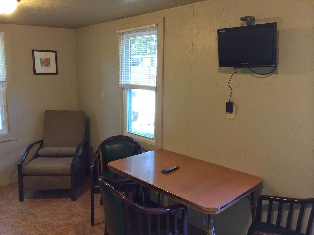 Country Barn Motel And Campground - lodging  | Photo 9 of 10 | Address: 507 Broad St, Nashua, NH 03063, USA | Phone: (603) 883-7924