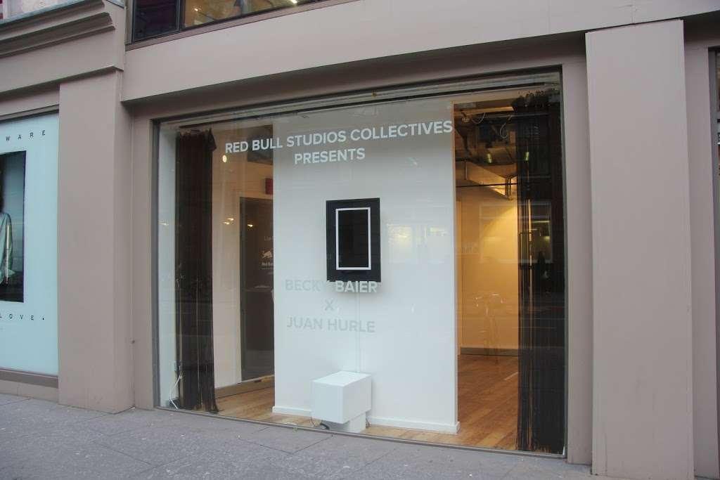 Kapow Signs - clothing store  | Photo 2 of 10 | Address: 8 Heckford street business center, Heckford street, London E1W 3HS, UK | Phone: 020 7790 8849