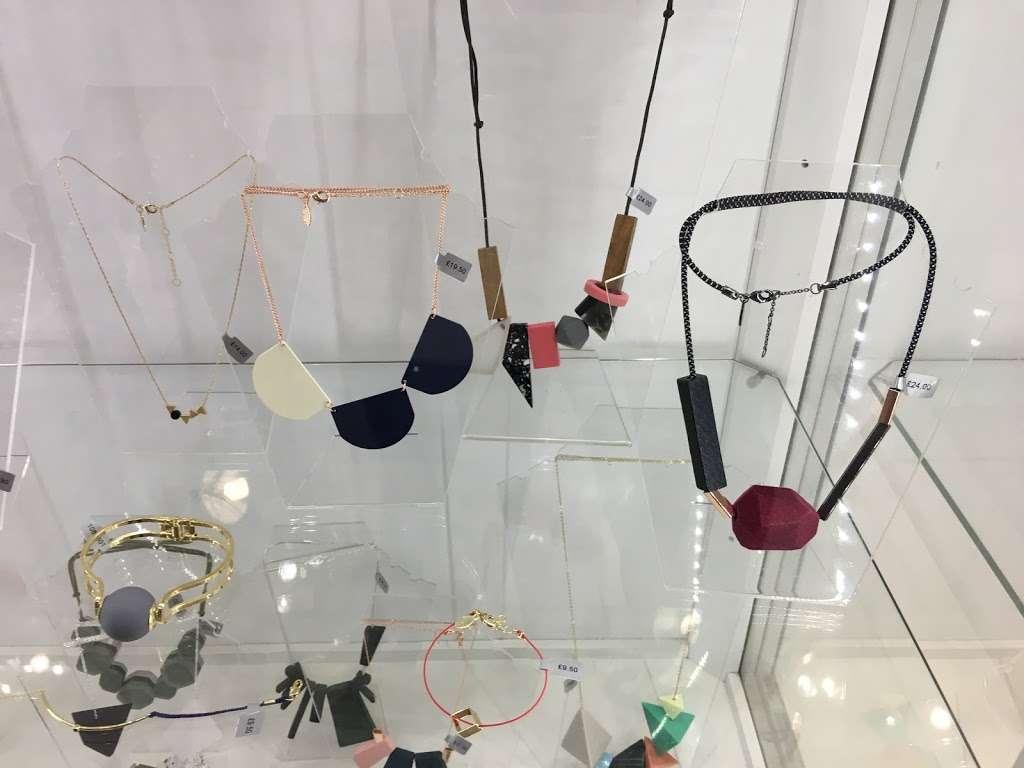 Oliver Bonas - clothing store  | Photo 10 of 10 | Address: Unit 16a, St Pancras Station, Euston Rd, Kings Cross, London N1C 4QP, UK | Phone: 020 7837 5161