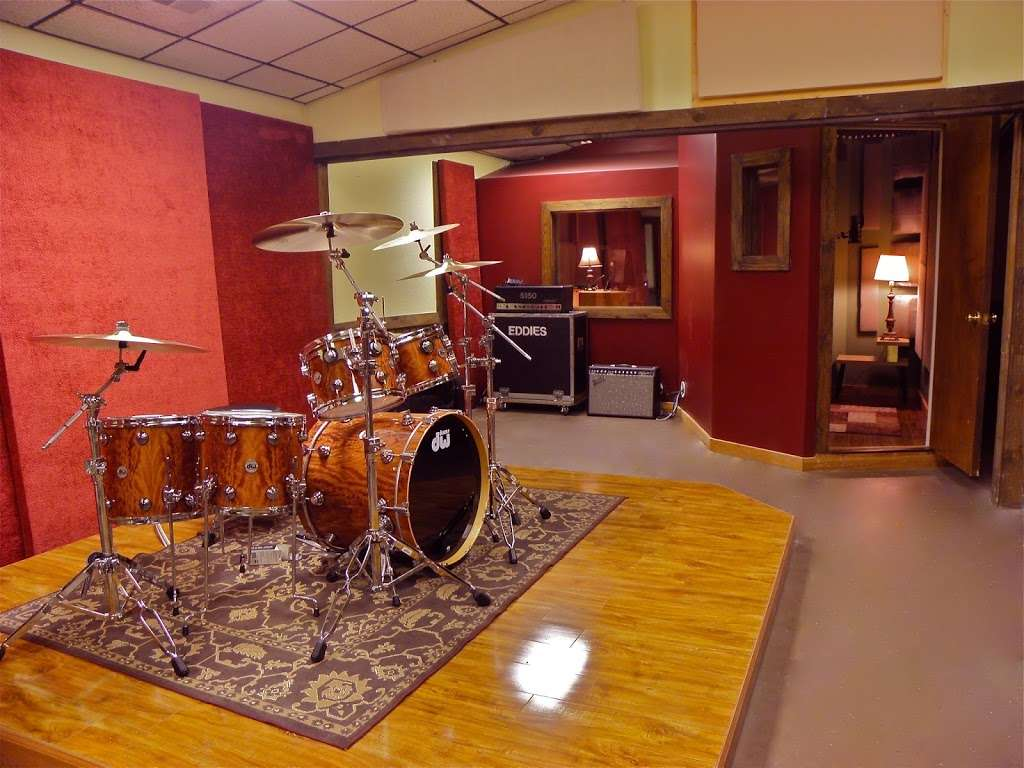 Silver Star Recording Studio - electronics store  | Photo 1 of 9 | Address: 3402 S Main St, Salisbury, NC 28147, USA | Phone: (704) 565-9155