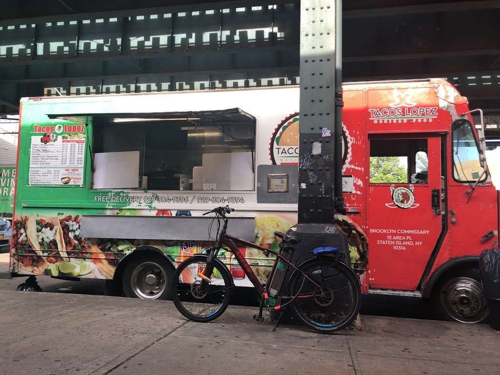 Taco LOPEZ - restaurant    Photo 2 of 10   Address: 86th street and, 18th Ave, Brooklyn, NY 11214, USA   Phone: (929) 304-9394