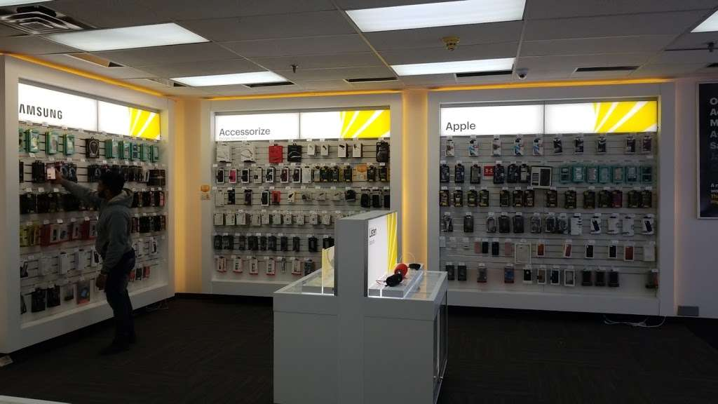 Sprint Store - electronics store  | Photo 2 of 8 | Address: 112A Wheeler Rd, Central Islip, NY 11722, USA | Phone: (631) 533-9999