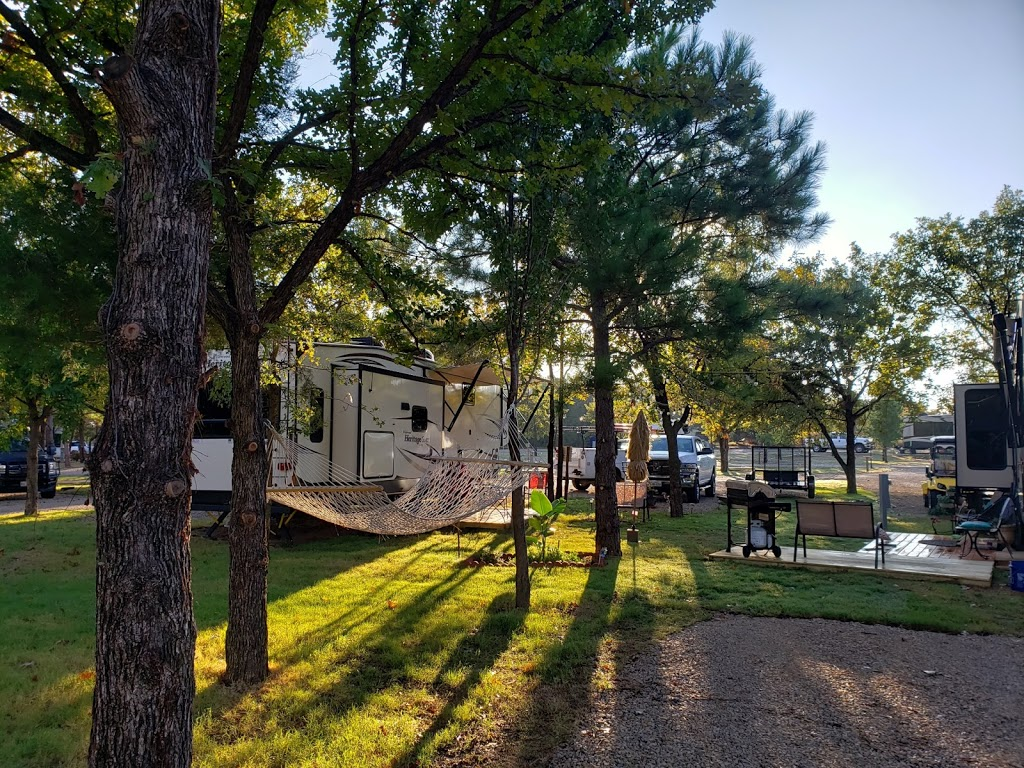 The Pines RV Community - rv park  | Photo 2 of 7 | Address: 5001 Knob Hill Rd, Azle, TX 76020, USA | Phone: (817) 876-7635