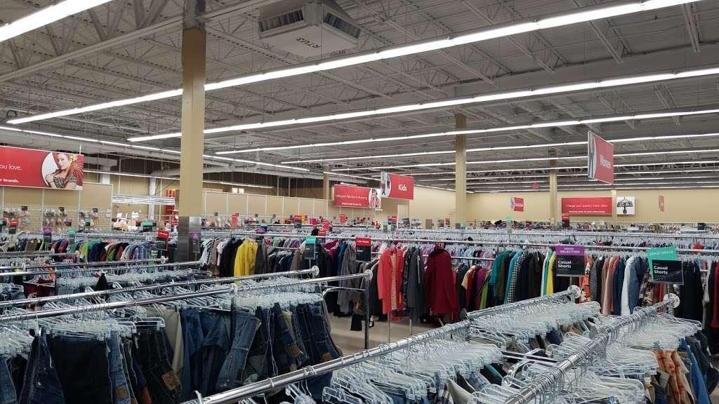 Savers - book store  | Photo 7 of 10 | Address: 9 Plaistow Rd Unit 9-A, Plaistow, NH 03865, USA | Phone: (603) 378-0368