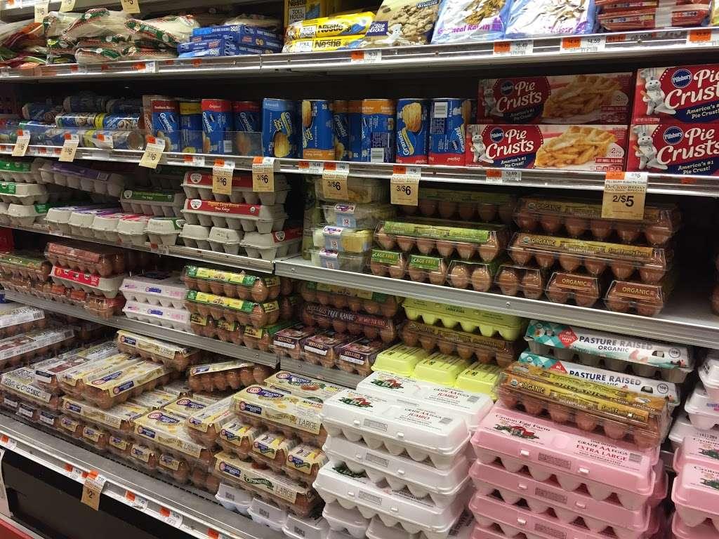 DeCicco Family Markets - supermarket    Photo 7 of 9   Address: 58 East Pkwy, Scarsdale, NY 10583, USA   Phone: (914) 725-3807
