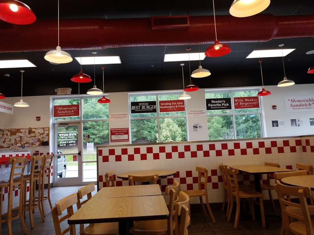 Five Guys - meal takeaway  | Photo 9 of 10 | Address: 361 Charles Way, Stroudsburg, PA 18360, USA | Phone: (570) 421-9804
