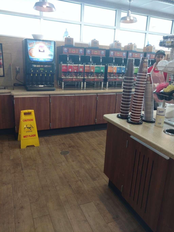 Royal Farms - convenience store  | Photo 4 of 10 | Address: 12 S Black Horse Pike, Bellmawr, NJ 08031, USA | Phone: (856) 208-3239