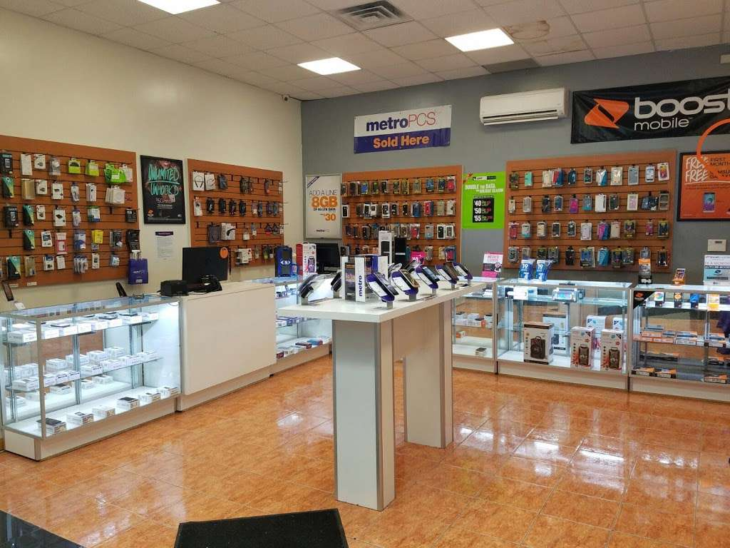 Smartphone Center - store  | Photo 2 of 10 | Address: 7 Walker St, Staten Island, NY 10302, USA | Phone: (718) 720-1917