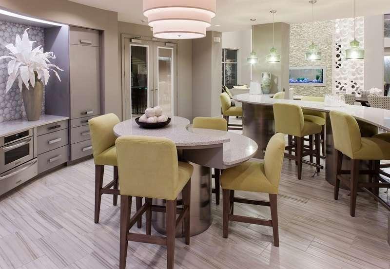 Lakeside Urban Center Apartments - real estate agency  | Photo 2 of 9 | Address: 850 Lake Carolyn Pkwy, Irving, TX 75039, USA | Phone: (469) 420-9624